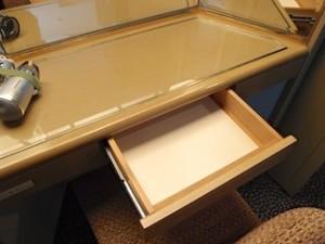 ホテルニューオータニの部屋のドレッシングデスク