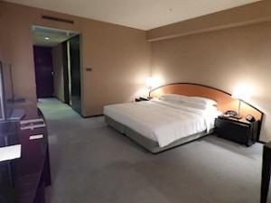 ハイアットリージェンシー大阪、部屋のベッド