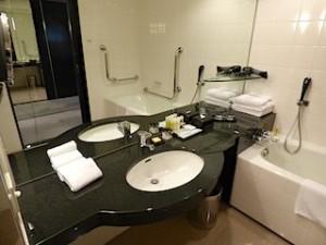ハイアットリージェンシー大阪、バスルーム内洗面台