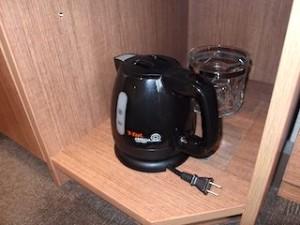 湯本富士屋ホテルの部屋の電気ケトル