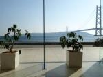 ホテルセトレ神戸・舞子のロビーから海の景色