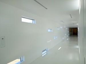 ホテルセトレ神戸・舞子のチャペルへ通じる廊下部分