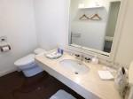 ホテルセトレ神戸・舞子の部屋のバスルーム、洗面台部分
