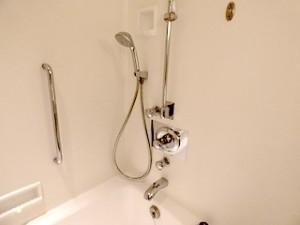 ヒルトン東京ベイ(千葉県浦安市)のセレブリオの部屋のバスルームシャワー