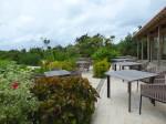 星のや竹富島のダイニングレストランの外のテーブル