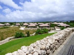 星のや竹富島の見晴台から見たホテル全景