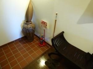 星野リゾートリゾナーレ西表島部屋の玄関スペース