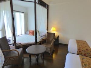 星野リゾートリゾナーレ西表島の部屋のデイベッド
