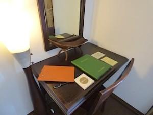 星野リゾートリゾナーレ西表島の部屋のライティングデスク