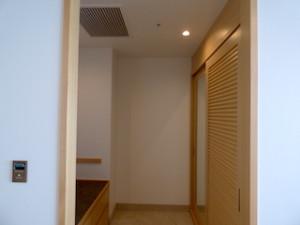 ホテルオリオンモトブリゾート&スパの部屋のクローゼット部