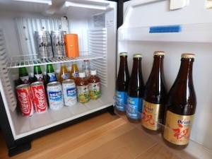 ホテルオリオンモトブリゾート&スパの部屋のミニバー冷蔵庫