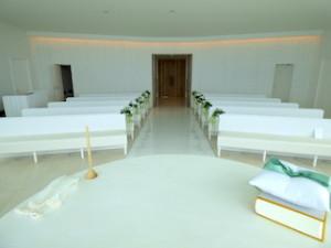 ホテルオリオンモトブリゾート&スパのチャペル内部