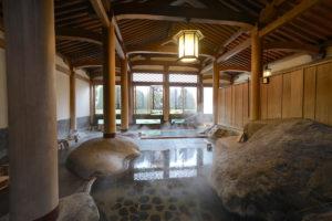 修善寺温泉、新井旅館の登録有形文化財大浴場「天平大浴堂」