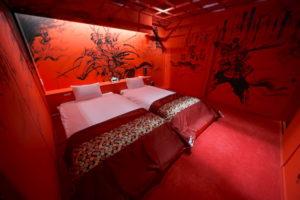 宿本陣幸村の赤いベッドルーム